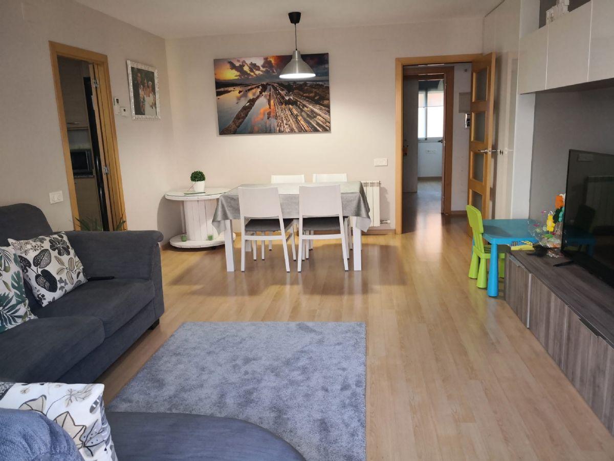 Piso en venta en 45111, Abrera, Barcelona, Calle República, 227.260 €, 3 habitaciones, 2 baños, 87 m2