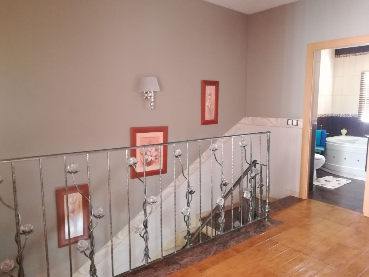 Casa en venta en Martos, Jaén, Calle Doctor Fleming, 155.000 €, 4 habitaciones, 2 baños, 190 m2
