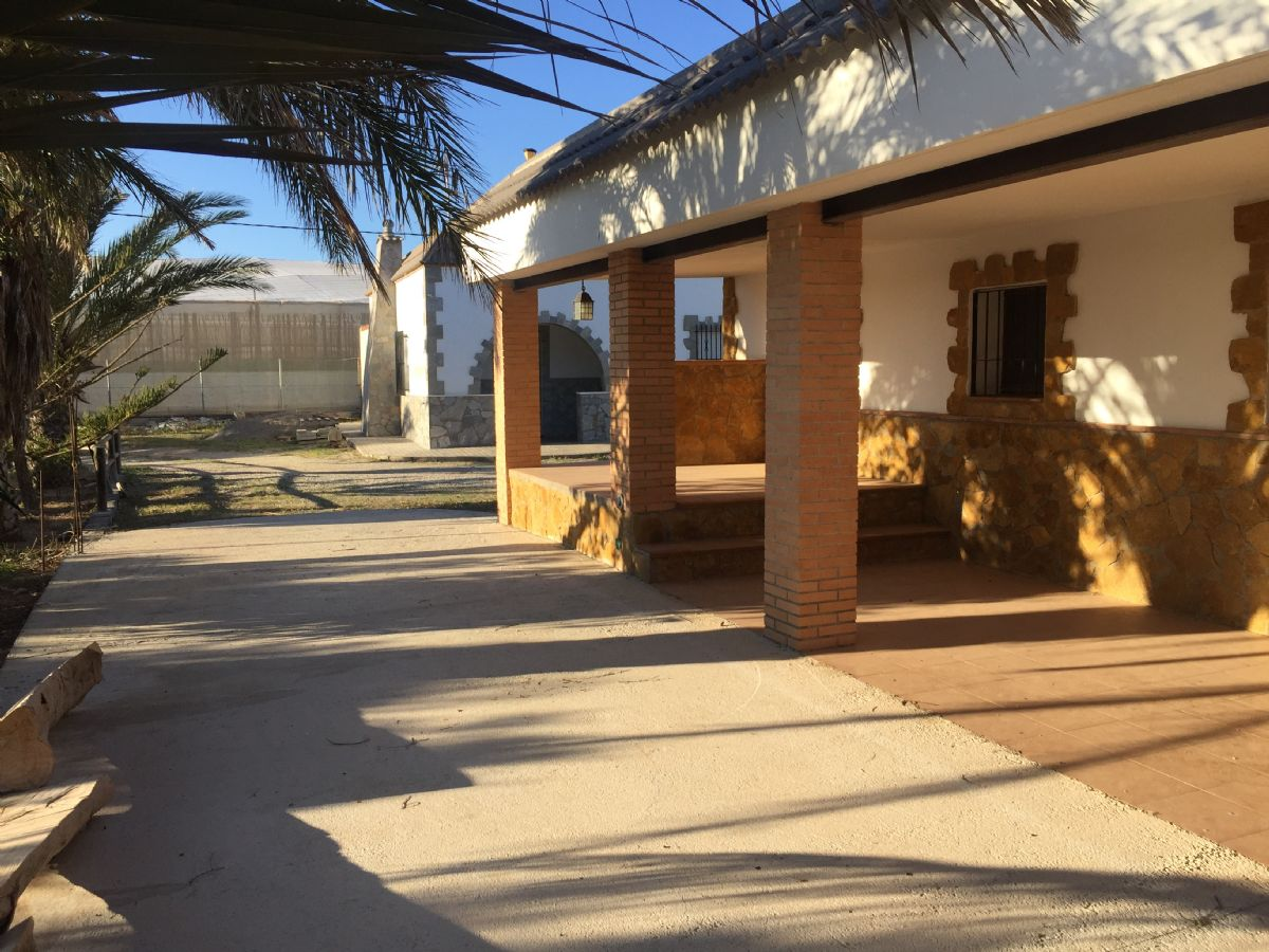 Casa en venta en Níjar, Almería, Paraje Campillo de Gata, 160.000 €, 3 habitaciones, 2 baños, 140 m2