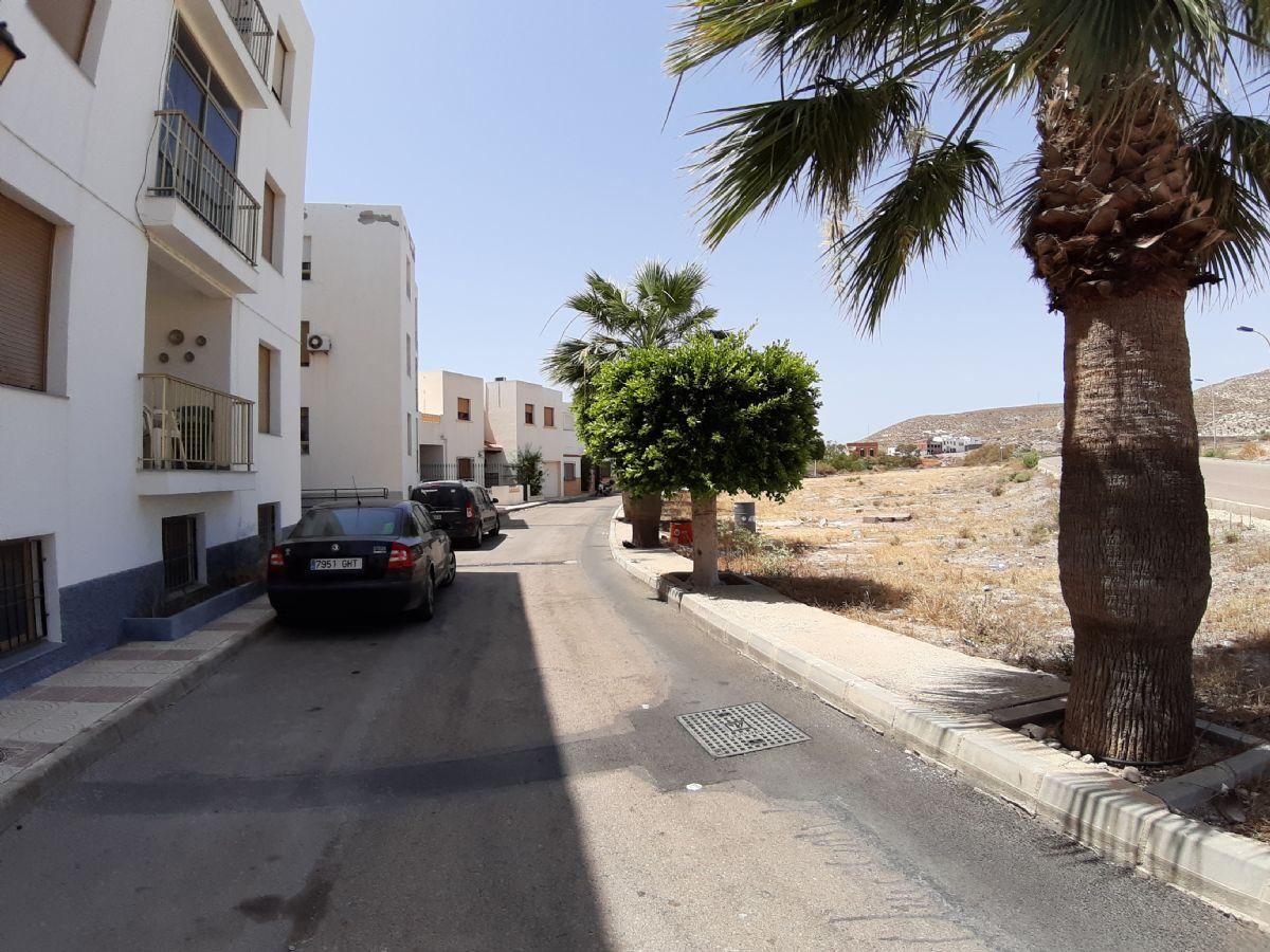 Piso en venta en Carboneras, Almería, Calle Poeta Villaespesa, 82.000 €, 4 habitaciones, 1 baño, 110 m2
