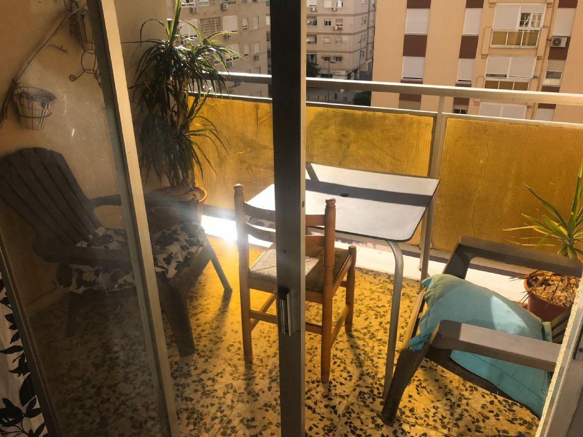 Piso en venta en Nueva Andalucía, Almería, Almería, Calle Pio Baroja, 133.000 €, 4 habitaciones, 2 baños, 110 m2