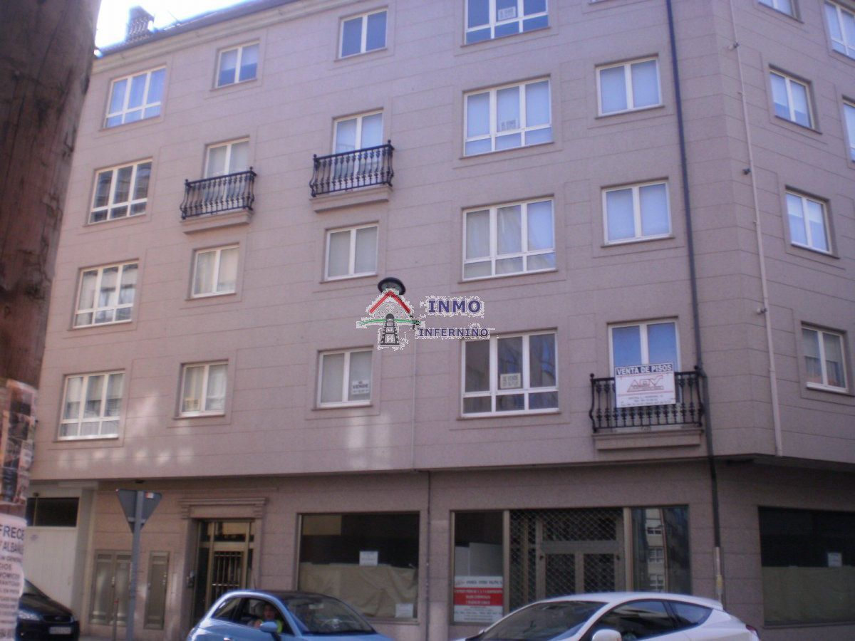 Piso en venta en Inferniño, Ferrol, A Coruña, Calle Fontaiña, 135.000 €, 3 habitaciones, 2 baños, 120 m2