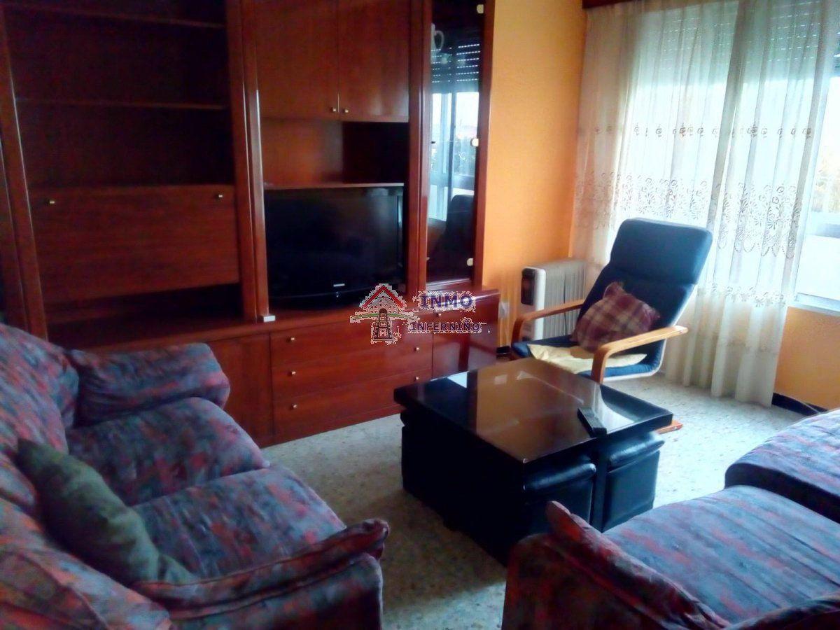 Piso en alquiler en Esquibien, Ferrol, A Coruña, Avenida Santa Marina, 400 €, 4 habitaciones, 1 baño, 90 m2