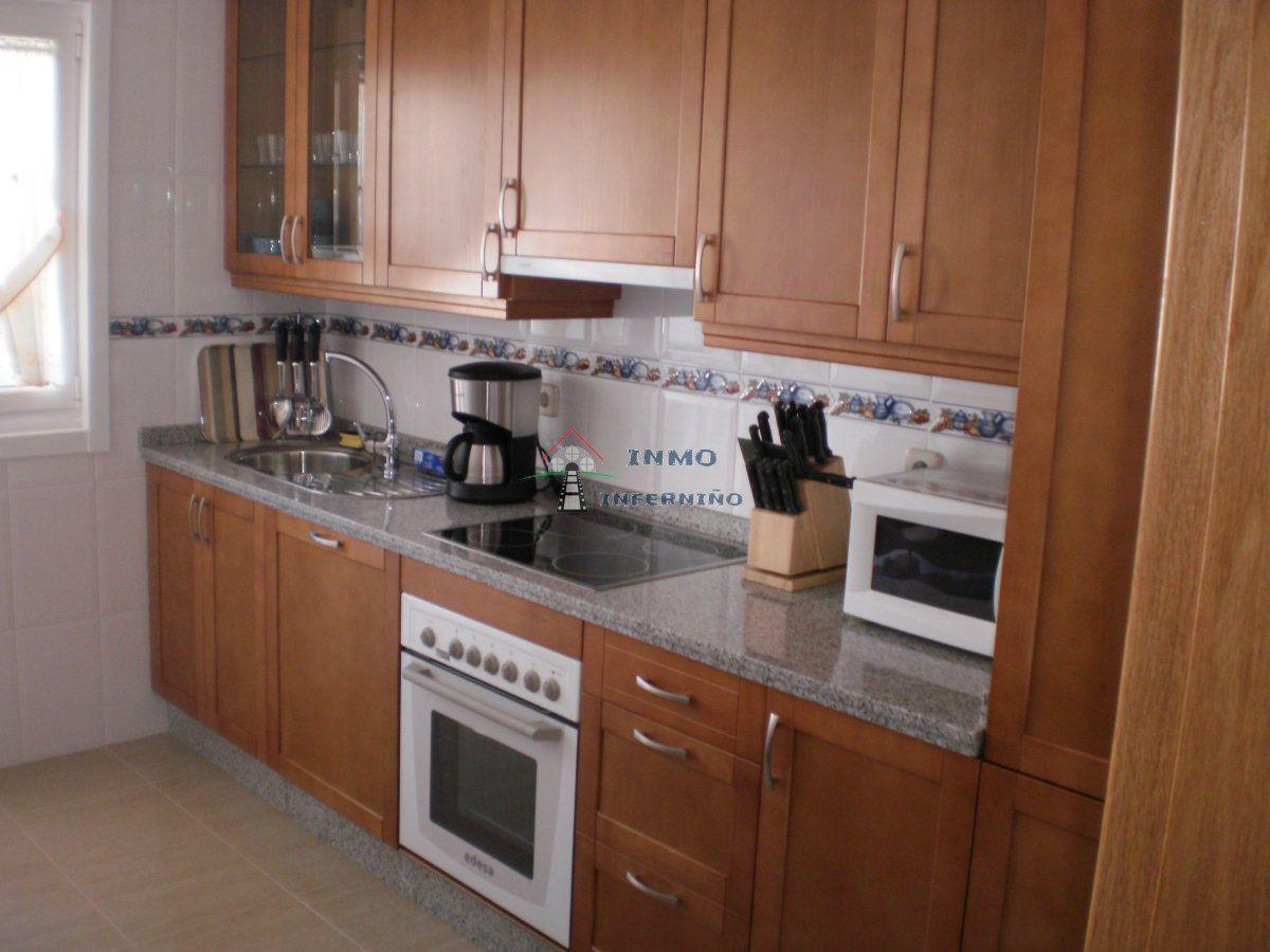 Piso en alquiler en Esquibien, Ferrol, A Coruña, Calle Inferniño, 500 €, 2 habitaciones, 2 baños, 84 m2