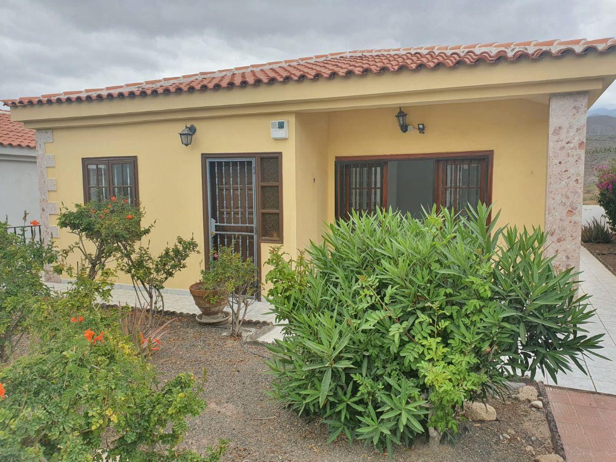 Casa en venta en Aldea Blanca, San Miguel de Abona, Santa Cruz de Tenerife, Calle Av. Edelmira Alfonso Alfonso, 4,, 205.000 €