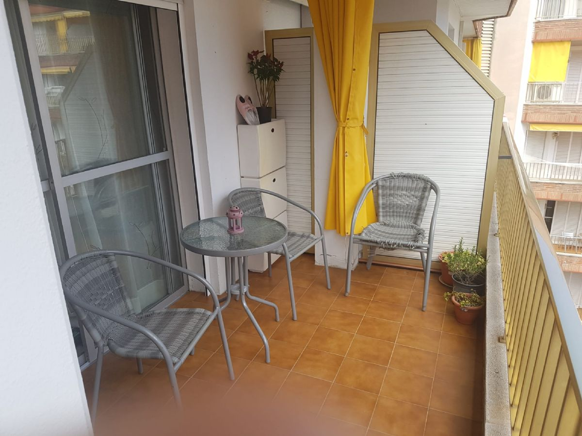 Piso en venta en 83701, Lloret de Mar, Girona, Avenida Vila de Blanes, 146.000 €, 3 habitaciones, 1 baño, 70 m2