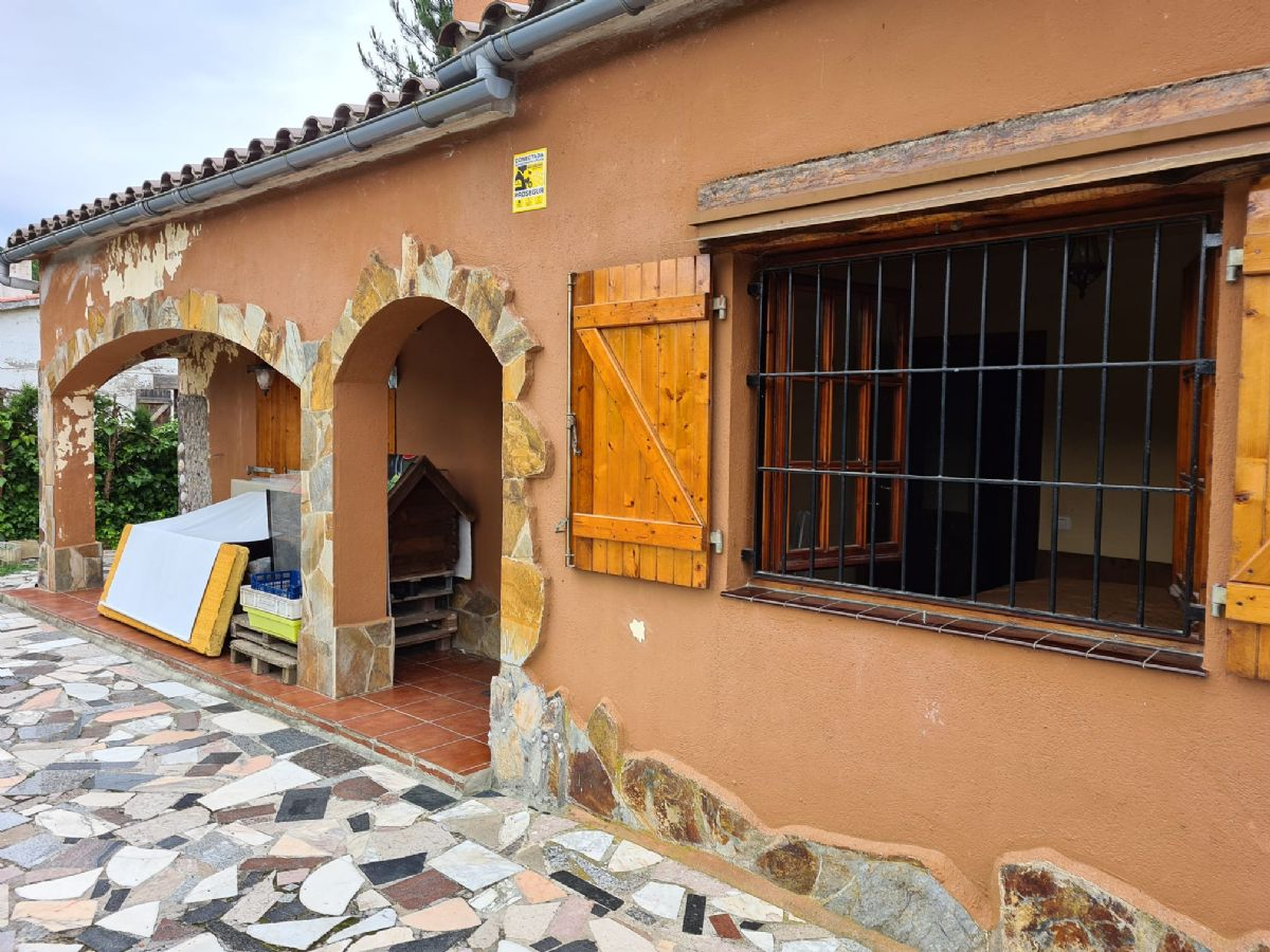 Casa en venta en Esquibien, Vidreres, Girona, Calle Ronda Paradis, 125.000 €, 3 habitaciones, 1 baño, 85 m2