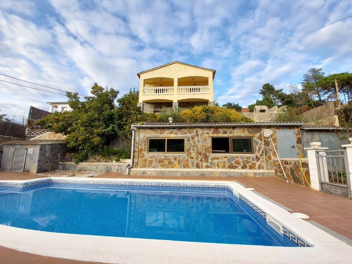 Casa en venta en Esquibien, Maçanet de la Selva, Girona, Sant Pol, 225.000 €, 5 habitaciones, 3 baños, 205 m2