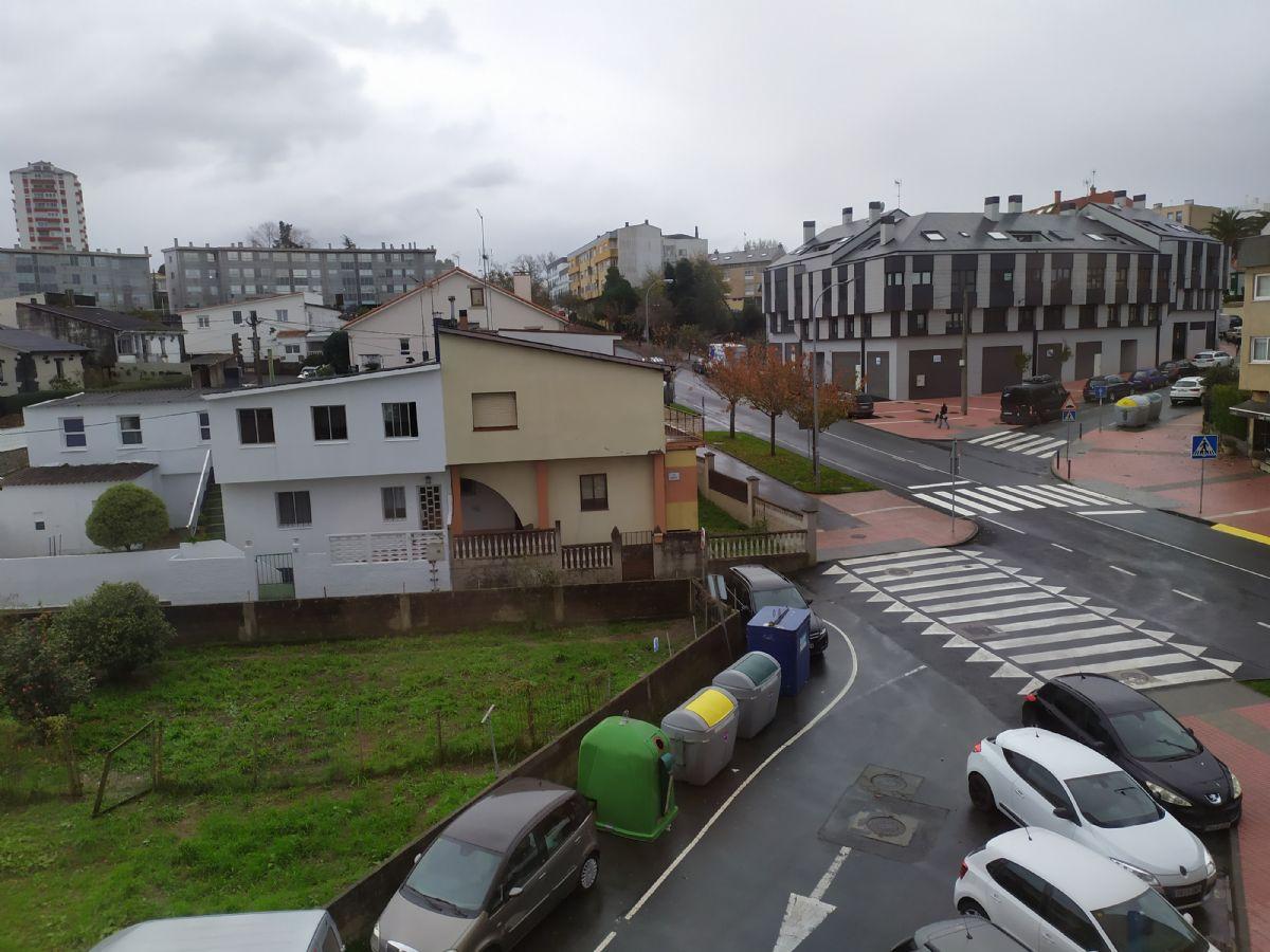 Piso en venta en Esquibien, Oleiros, A Coruña, Calle Neveda, 110.000 €, 4 habitaciones, 2 baños, 105 m2