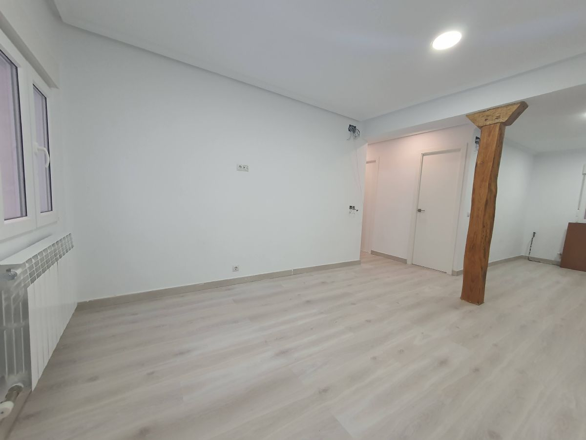 Piso en venta en 84954, Burgos, Burgos, Calle San Julián, 139.000 €, 3 habitaciones, 1 baño, 90 m2