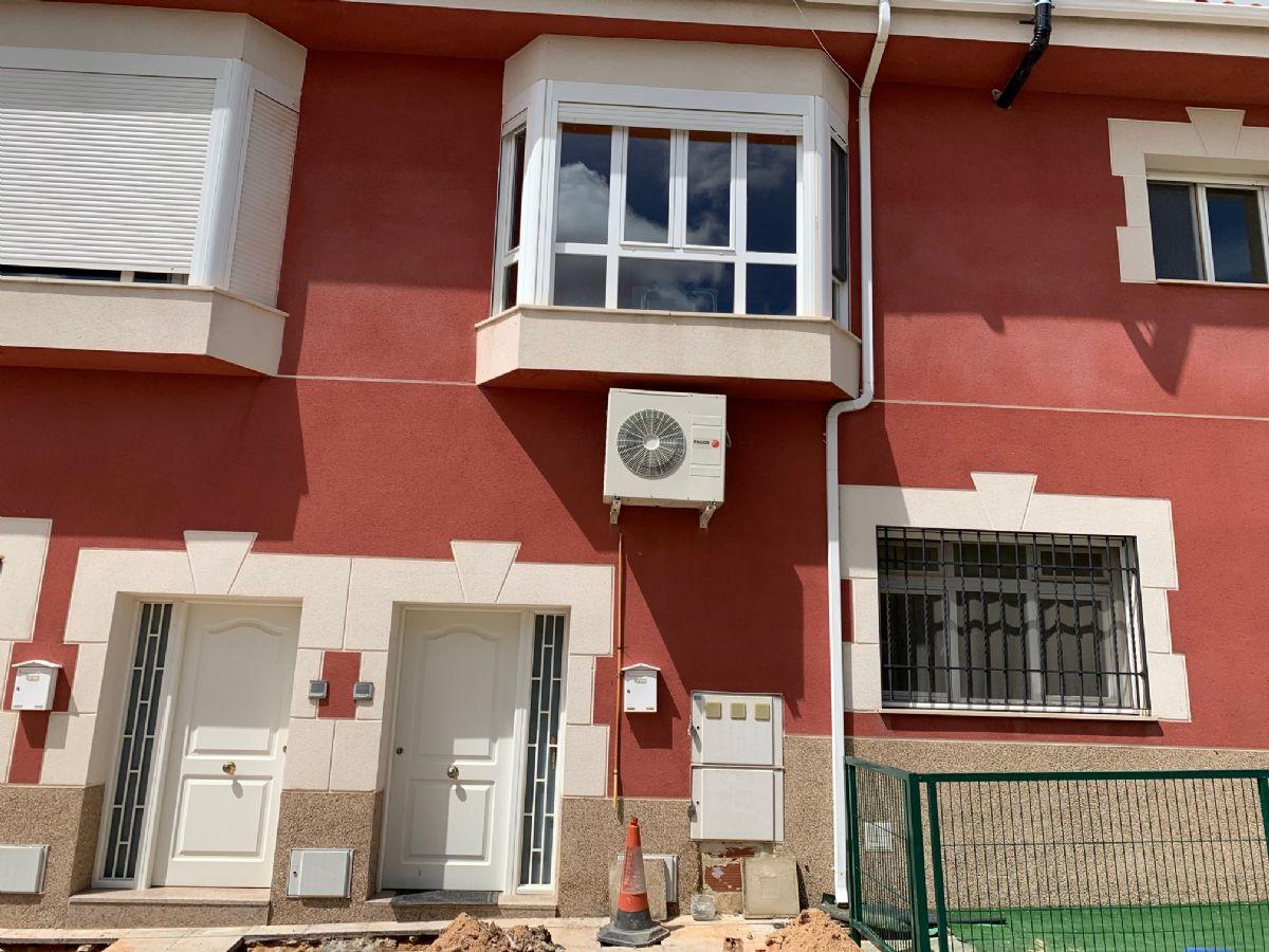 Piso en alquiler en Montalbo, Montalbo, Cuenca, Calle los Almendros, 340 €, 2 habitaciones, 1 baño, 70 m2