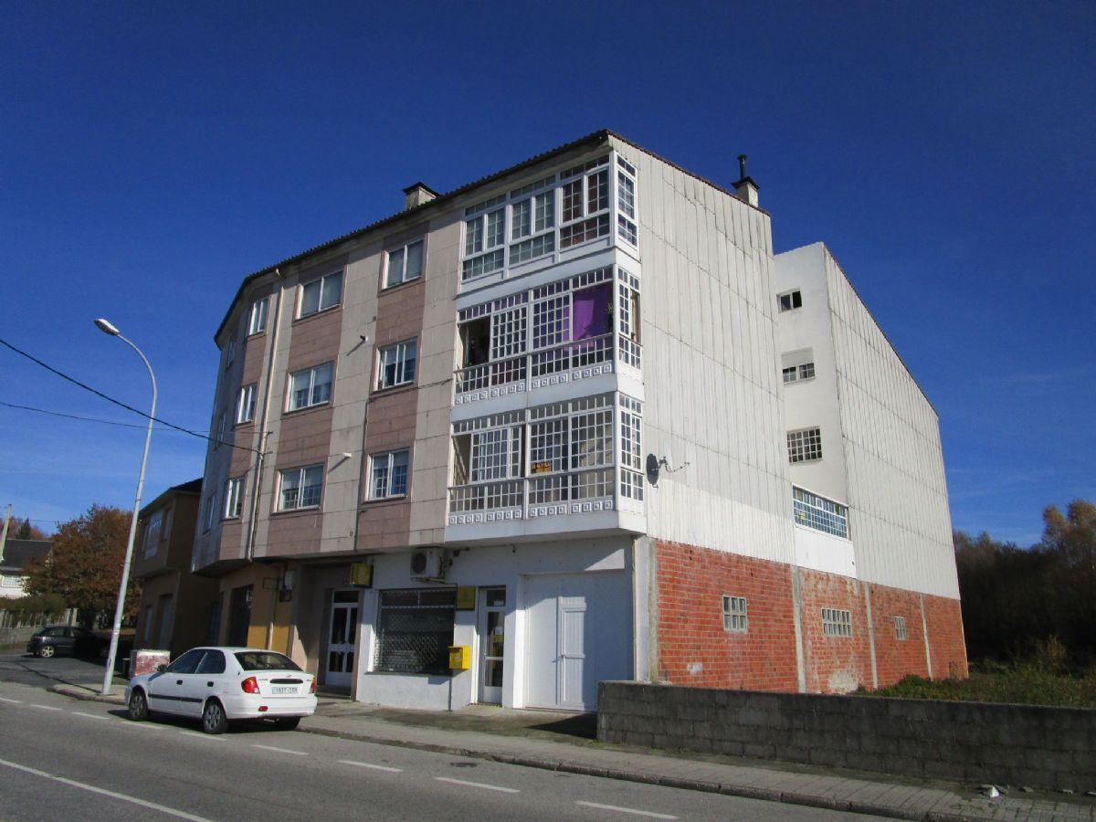 Piso en venta en As Casas Novas, Agolada, Pontevedra, Pasaje Joaquin Loriga, 29.000 €, 3 habitaciones, 1 baño, 113 m2