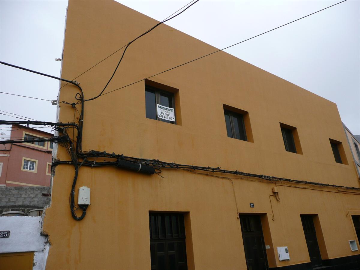 Piso en venta en Gáldar, Las Palmas, Barrio de la Montaña, 60.000 €, 2 habitaciones, 1 baño, 90 m2