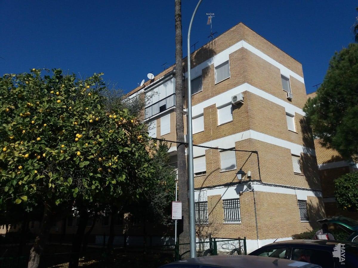 Piso en venta en Utrera, Sevilla, Calle Madres Carmelitas, 52.000 €, 3 habitaciones, 1 baño, 78 m2