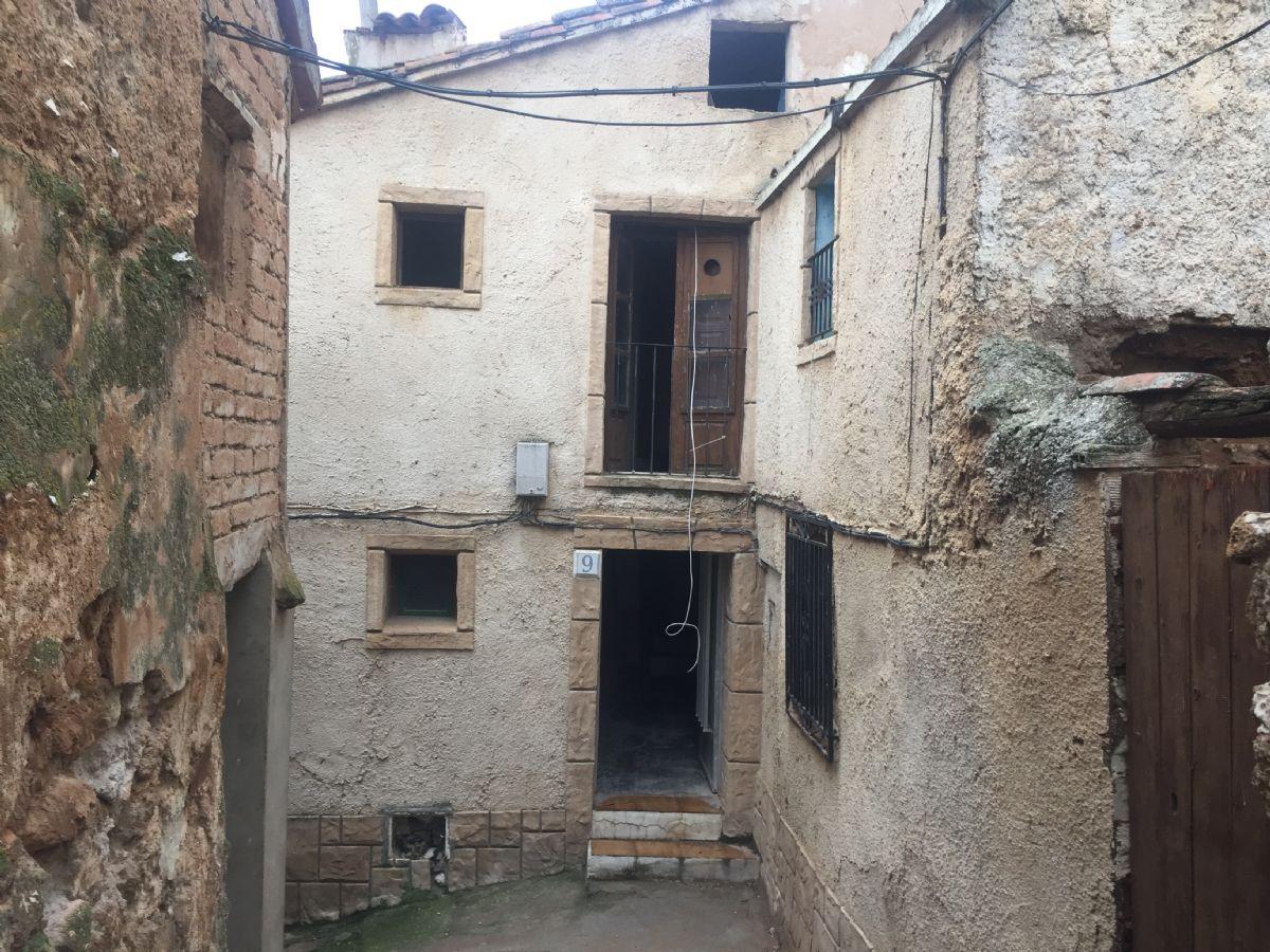 Casa en venta en Fuentes de Jiloca, Fuentes de Jiloca, Zaragoza, Calle Chorrillo, 15.000 €, 4 habitaciones, 1 baño, 152 m2