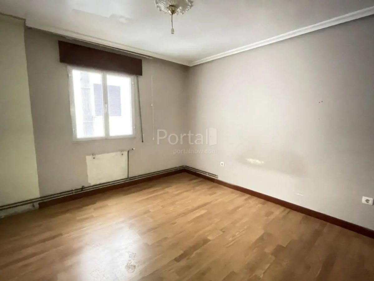 Piso en venta en Santander, Cantabria, Calle Isaac Peral, 124.000 €, 3 habitaciones, 1 baño, 83 m2