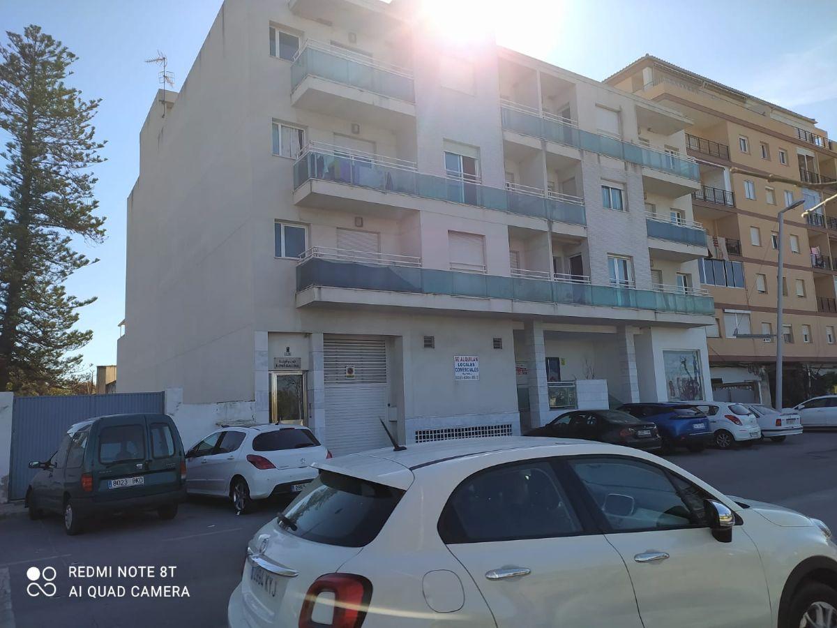 Piso en venta en Motril, Granada, Calle Nuestra Señora de la Cabeza, 77.000 €, 3 habitaciones, 2 baños, 114 m2