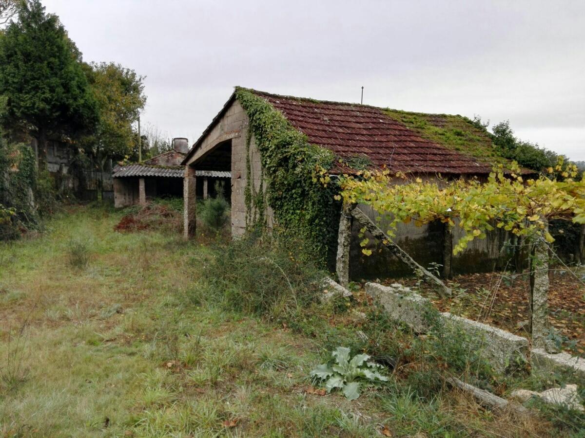 Casa en venta en Portas, Pontevedra, Calle Tarrío, 56.700 €, 2 baños, 332 m2