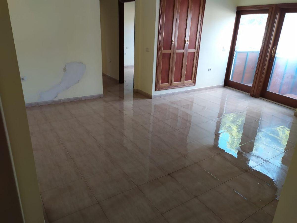Piso en venta en La Camella, Arona, Santa Cruz de Tenerife, Calle Dominguez Alfonso, 93.600 €, 2 habitaciones, 1 baño, 68 m2