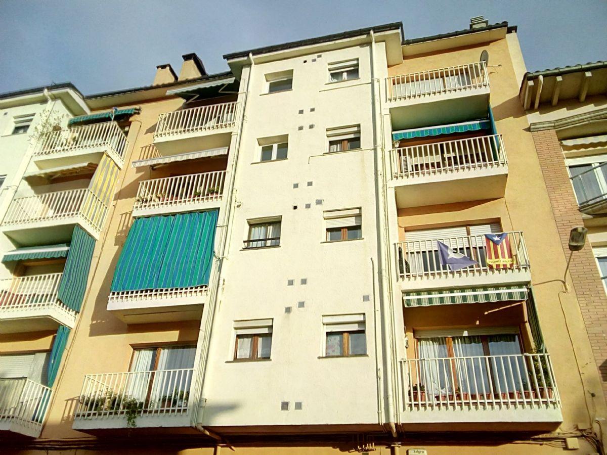 Piso en venta en Torelló, Barcelona, Calle Voltrega, 57.000 €, 4 habitaciones, 1 baño, 82 m2