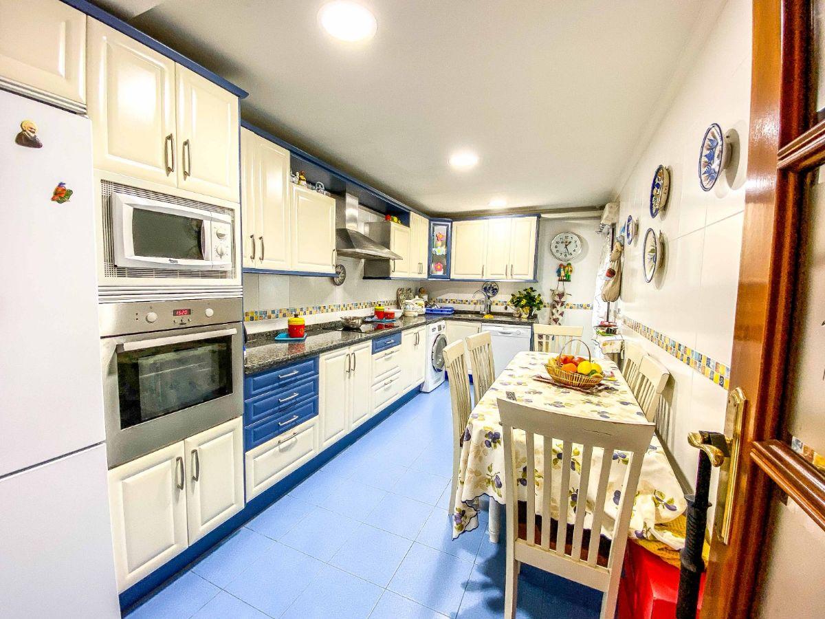 Piso en venta en Alamedilla, Salamanca, Salamanca, Paseo de Canalejas, 329.000 €, 4 habitaciones, 2 baños, 196 m2