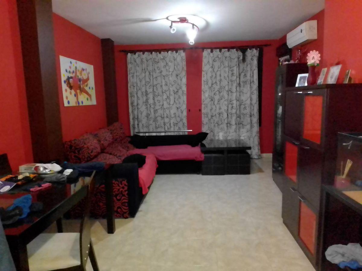 Piso en venta en Carbonal, Tomelloso, Ciudad Real, Calle Cencibel, 80.000 €, 3 habitaciones, 2 baños, 100 m2