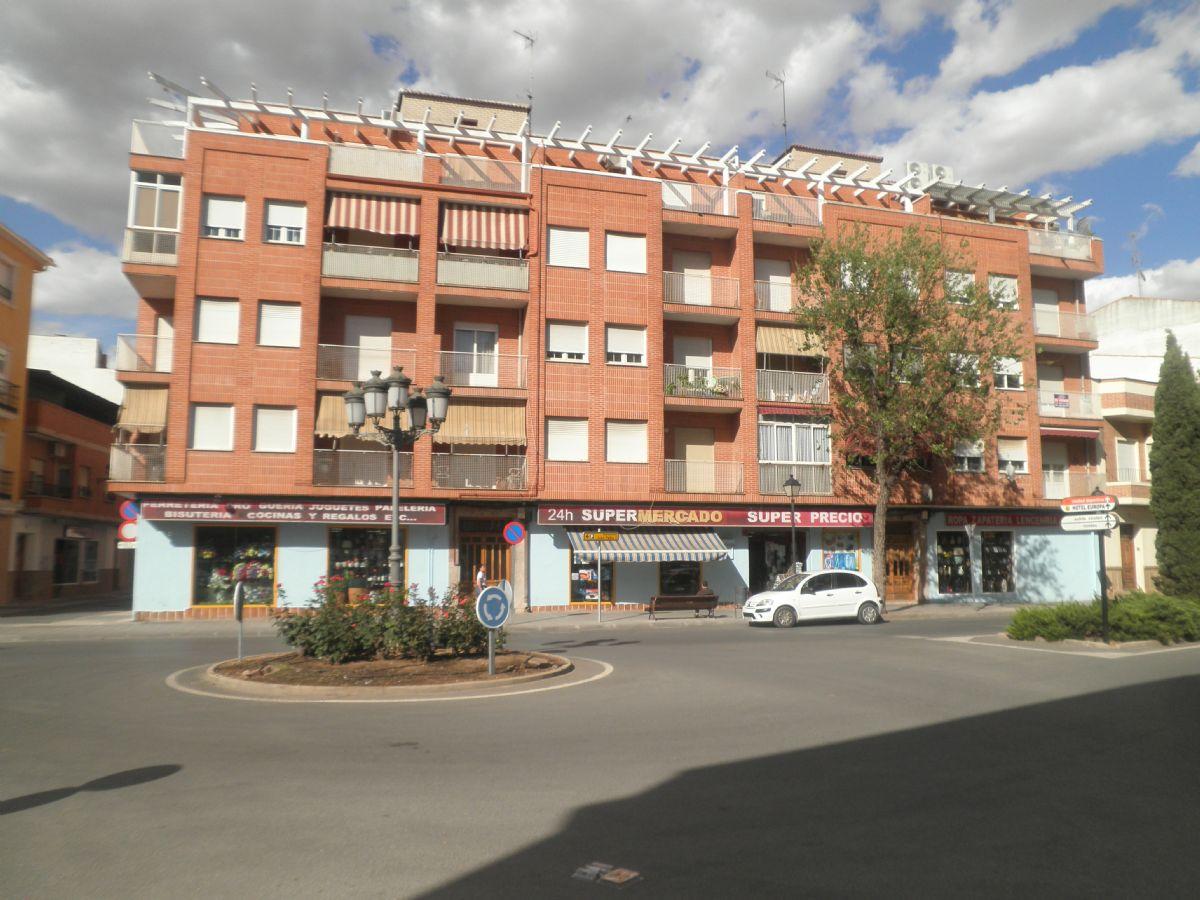 Piso en venta en Tomelloso, Ciudad Real, Calle Doña Crisanta, 95.000 €, 4 habitaciones, 2 baños, 130 m2