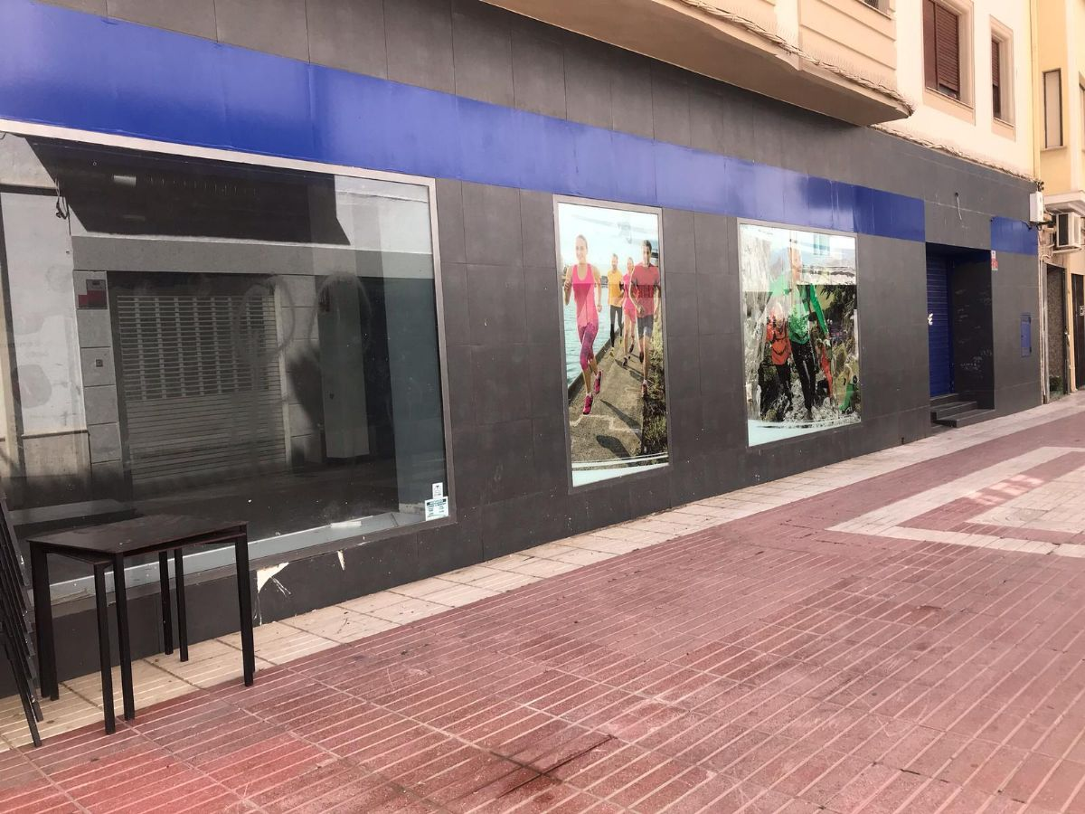 Local en alquiler en Tomelloso, Ciudad Real, Calle Galileo, 1.500 €, 170 m2