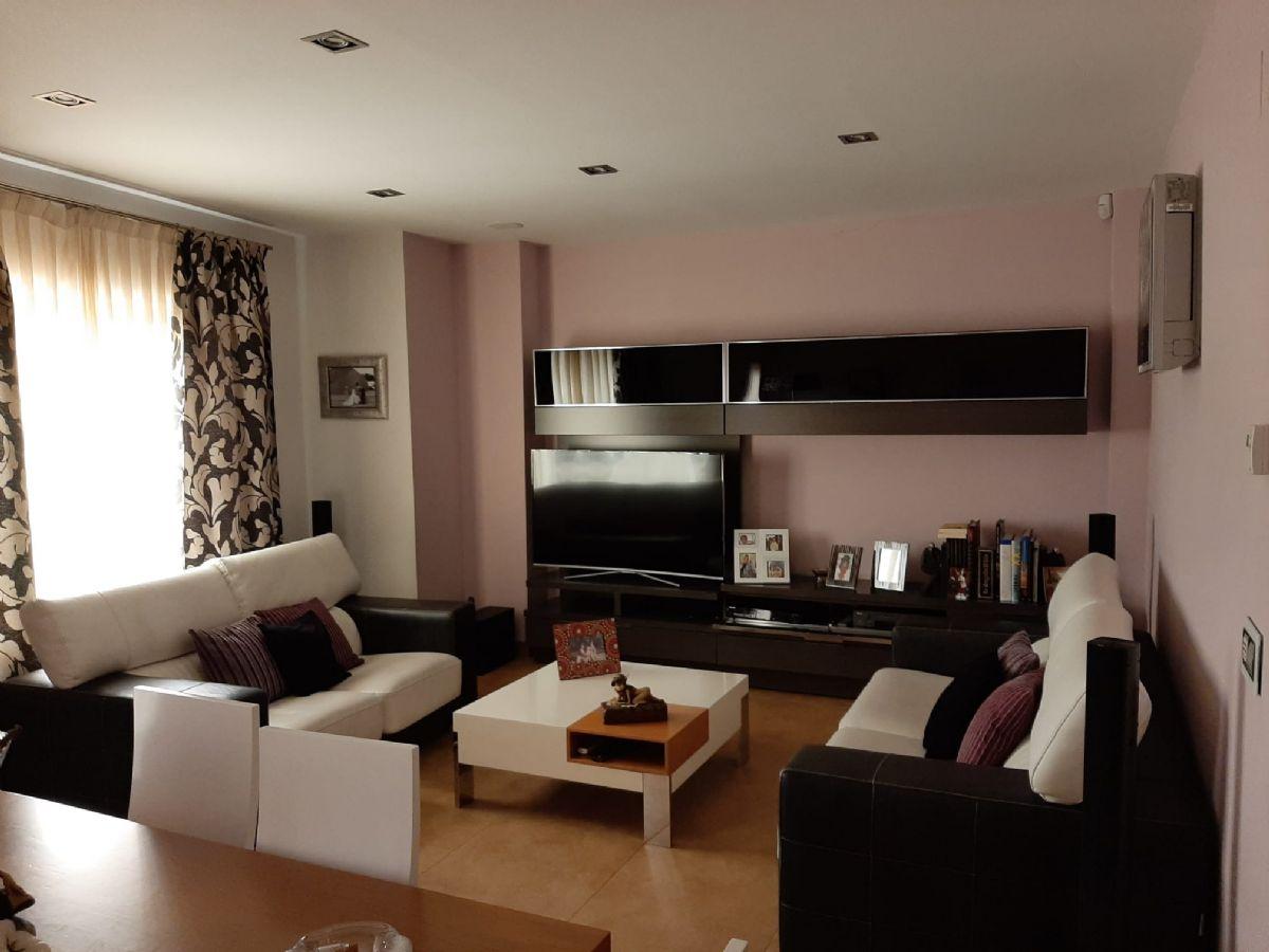 Casa en venta en Tomelloso, españa, Calle Bruselas, 239.000 €, 5 habitaciones, 3 baños, 300 m2