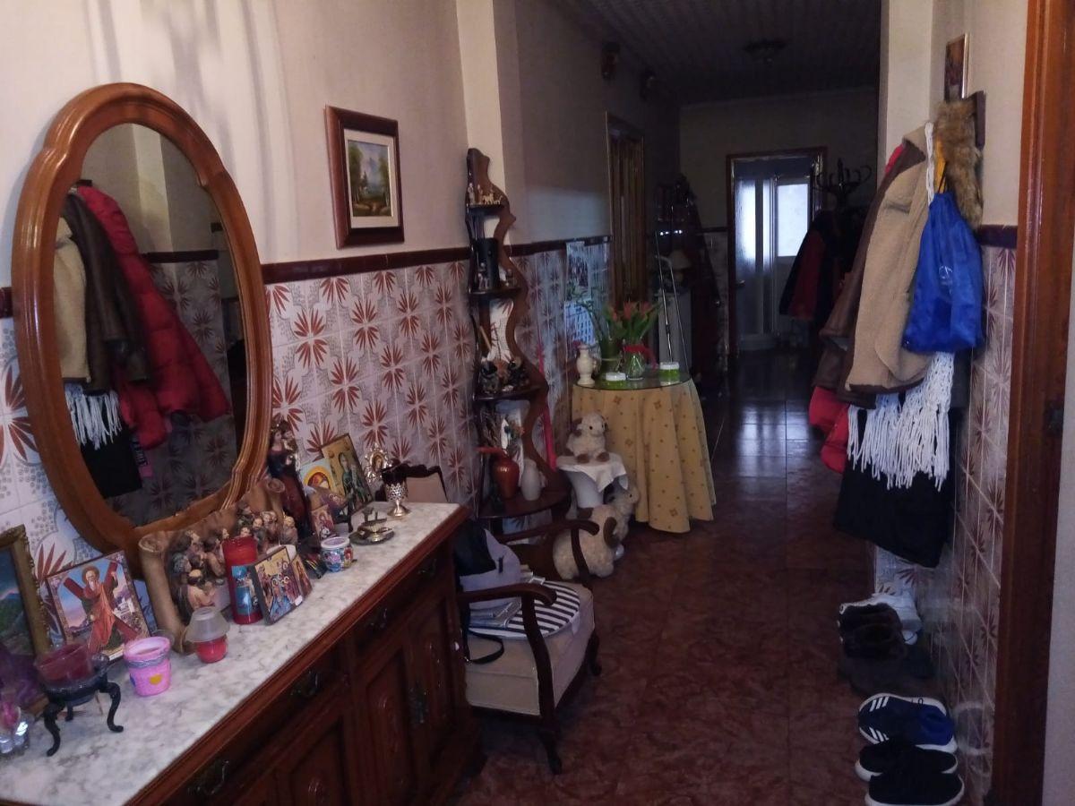 Casa en venta en Ezcaray, Tomelloso, Ciudad Real, Calle de la Noguera, 230.000 €, 4 habitaciones, 1 baño, 250 m2
