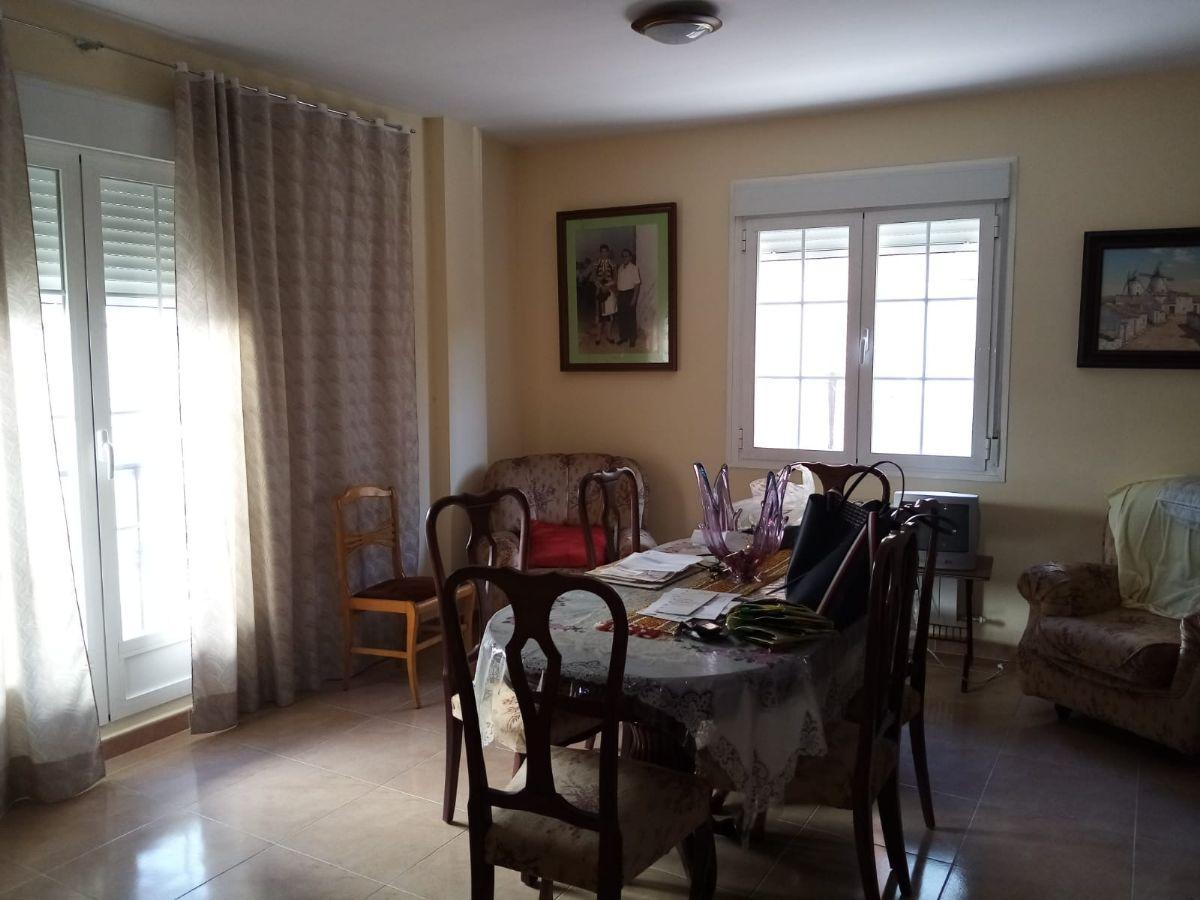 Piso en venta en Tomelloso, Ciudad Real, Calle Rosario, 66.900 €, 2 habitaciones, 1 baño, 67 m2