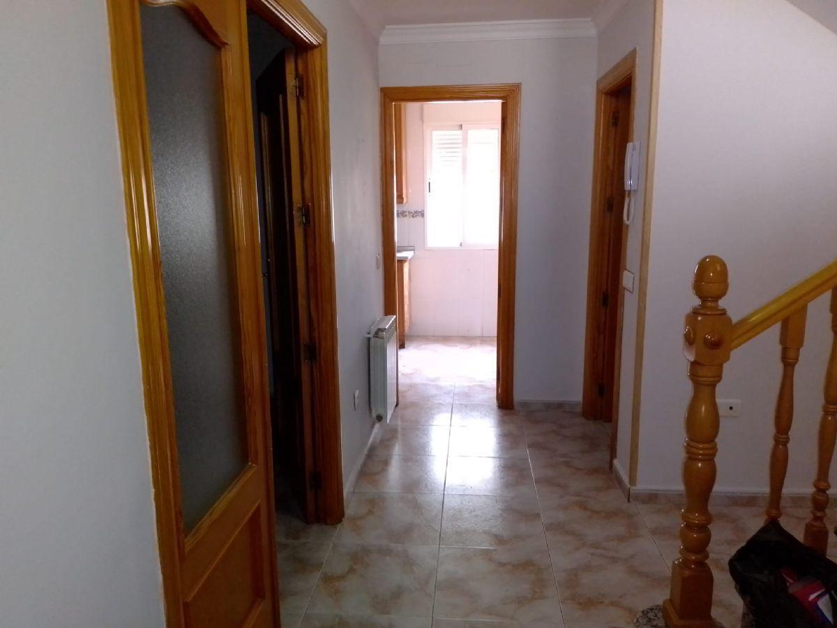 Casa en venta en Tomelloso, Ciudad Real, Calle Ria de Vigo, 92.000 €, 4 habitaciones, 2 baños, 177 m2