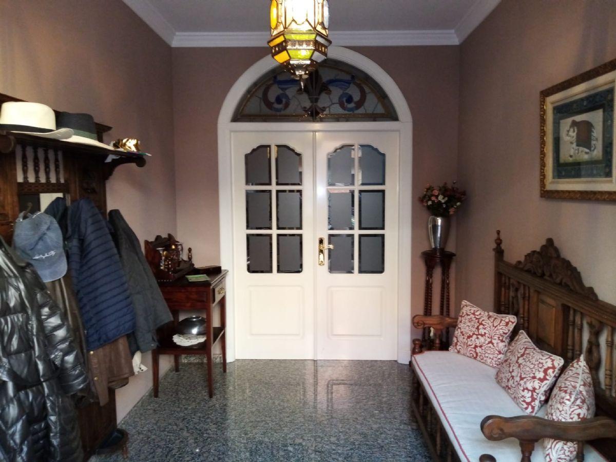 Casa en venta en Tomelloso, Ciudad Real, Calle Julian Besteiro, 220.000 €, 4 habitaciones, 3 baños, 216 m2
