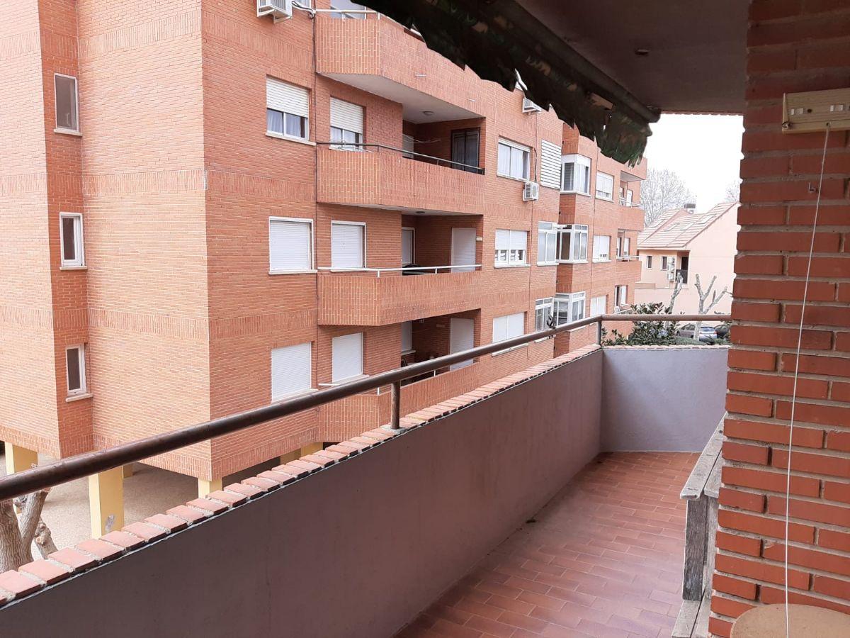 Piso en venta en Tomelloso, Ciudad Real, Calle Rio Corcoles, 73.000 €, 3 habitaciones, 2 baños, 105 m2