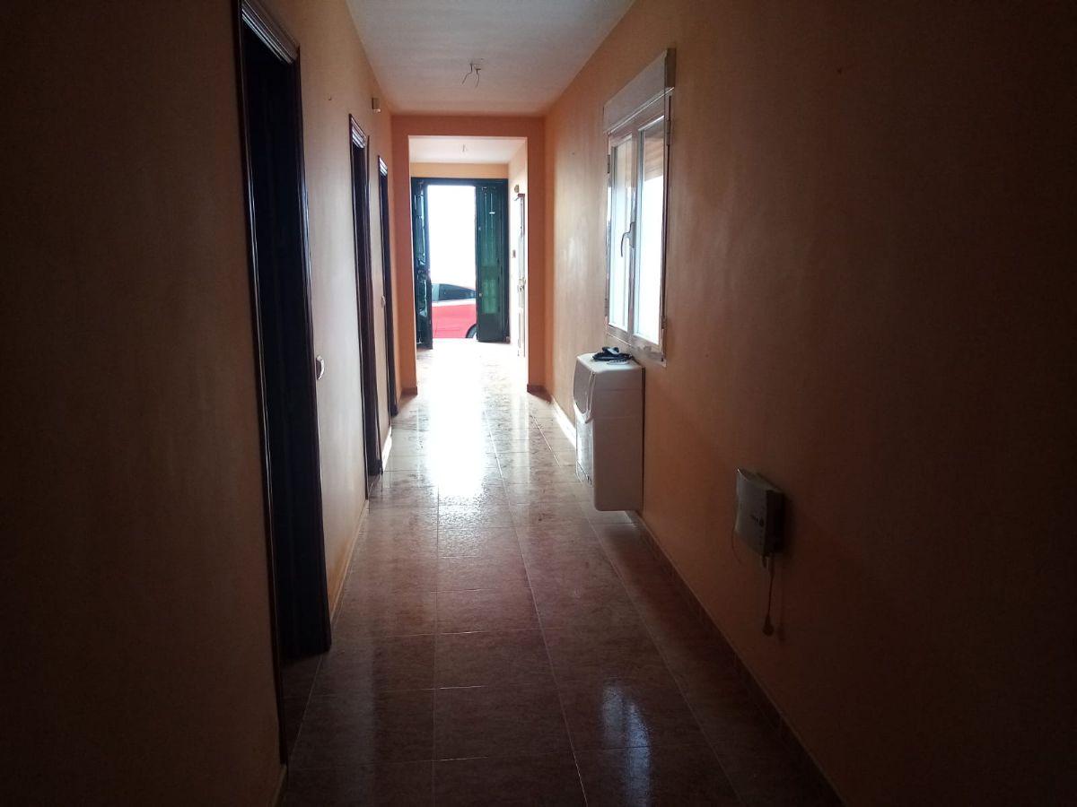 Casa en venta en Tomelloso, Ciudad Real, Calle Europa, 110.000 €, 3 habitaciones, 1 baño, 220 m2