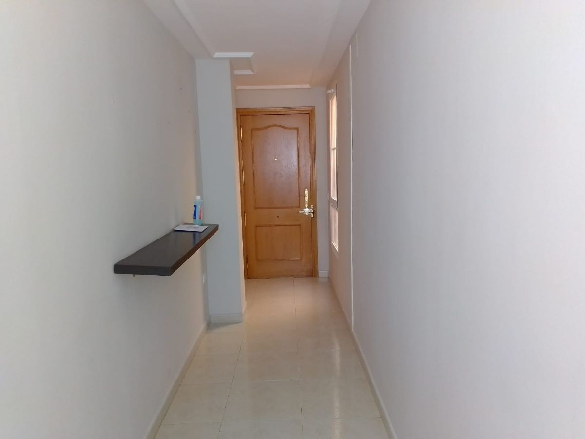 Piso en venta en Tomelloso, Ciudad Real, Avenida Don Antonio Huertas, 81.600 €, 2 habitaciones, 2 baños, 90 m2