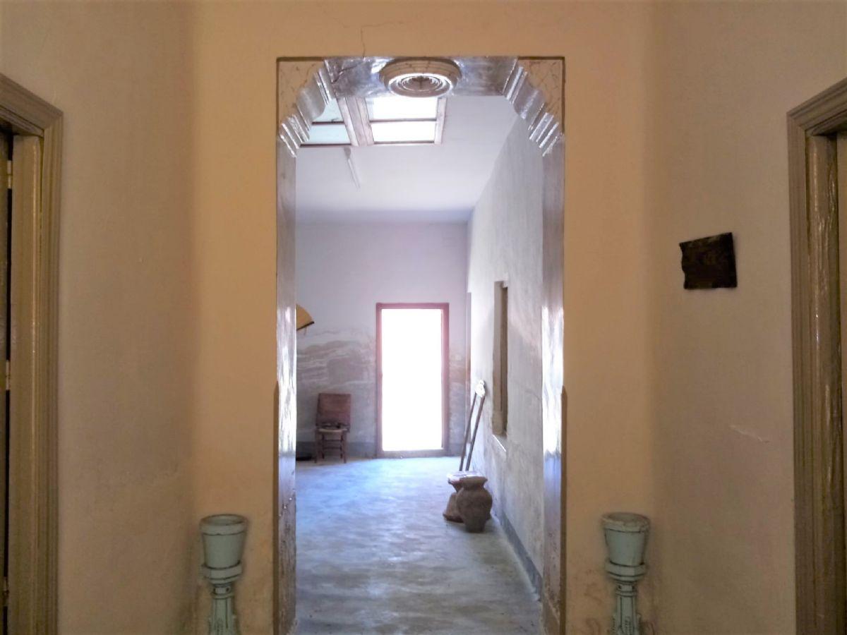 Casa en venta en Tomelloso, Ciudad Real, Calle Melquiades Alvarez, 125.000 €, 4 habitaciones, 1 baño, 579 m2