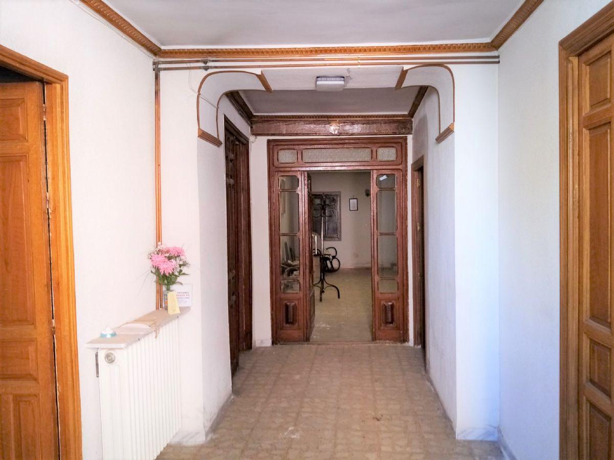 Casa en venta en Tomelloso, Ciudad Real, Calle Angel Izquierdo, 93.000 €, 3 habitaciones, 1 baño, 221 m2