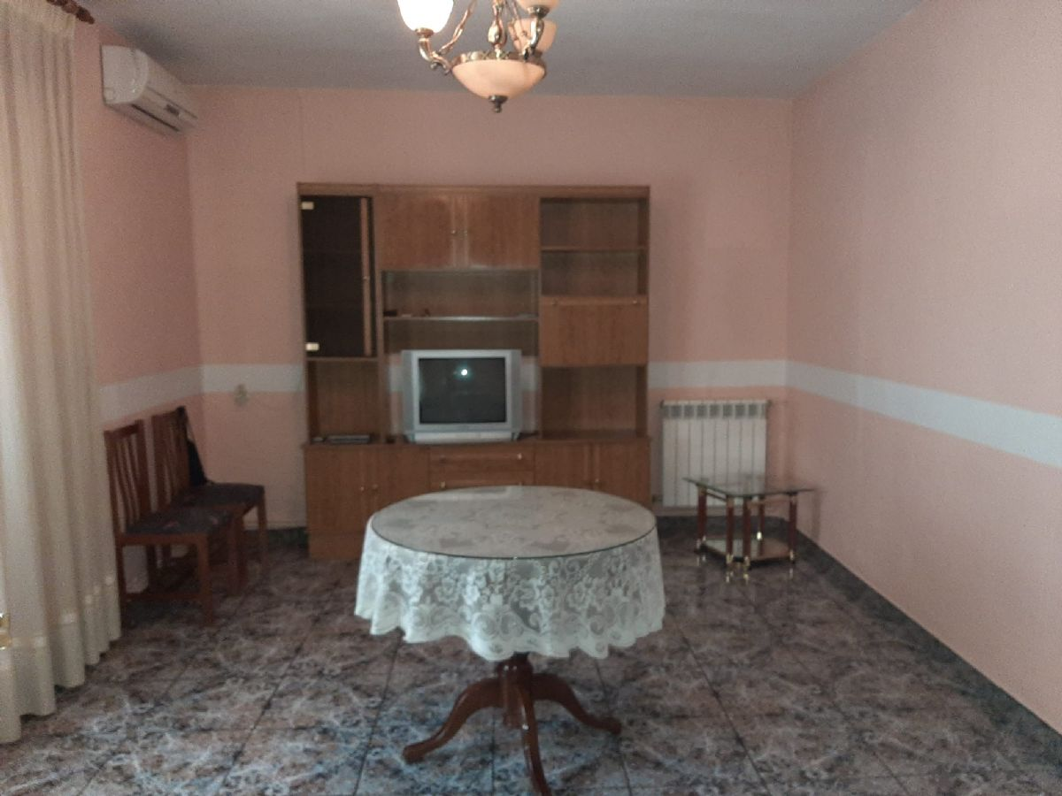Casa en venta en Carbonal, Tomelloso, Ciudad Real, Calle Luis Marin, 90.000 €, 5 habitaciones, 1 baño, 250 m2