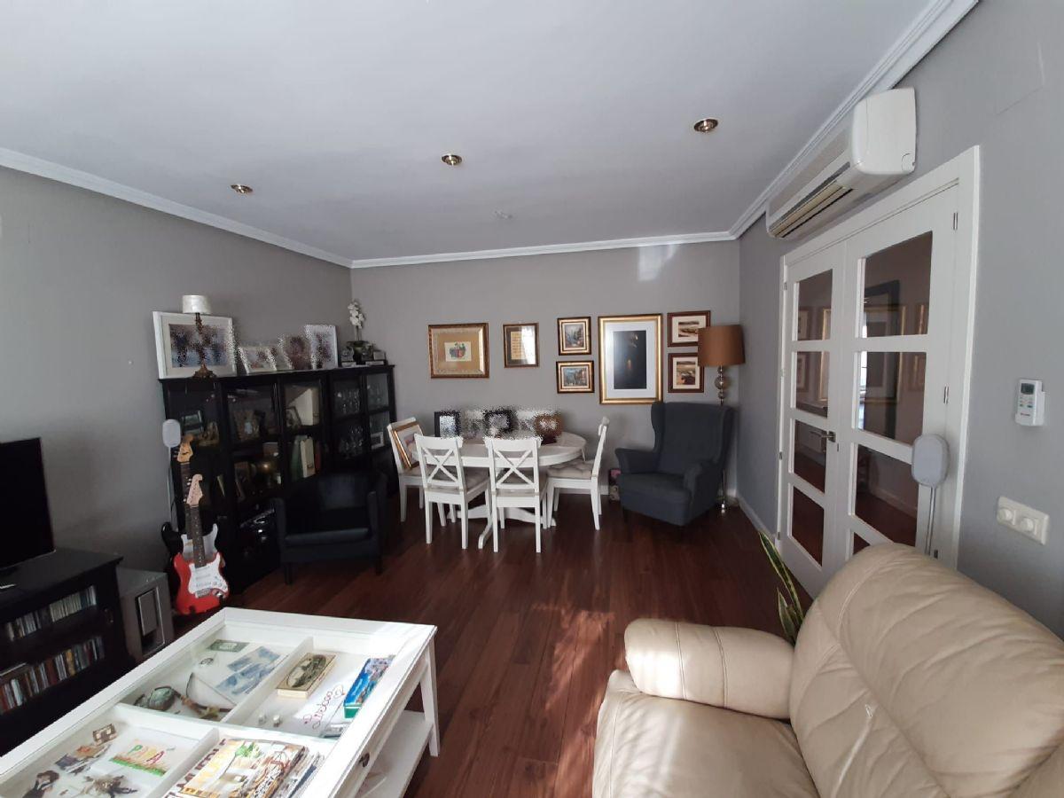 Casa en venta en Tomelloso, Ciudad Real, Travesía Gañanes, 135.000 €, 3 habitaciones, 3 baños, 200 m2