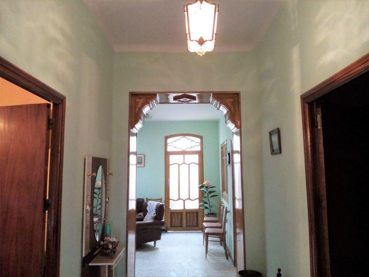 Casa en venta en Tomelloso, Ciudad Real, Calle Reyes Catolicos, 125.000 €, 4 habitaciones, 1 baño, 340 m2