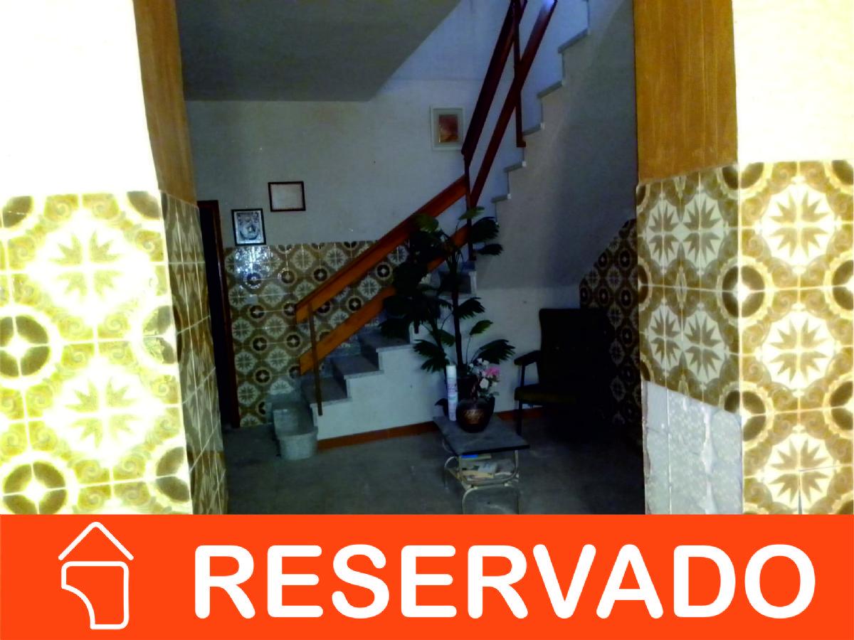 Casa en venta en Esquibien, Tomelloso, Ciudad Real, Calle Esperanza, 98.000 €, 8 habitaciones, 3 baños, 400 m2