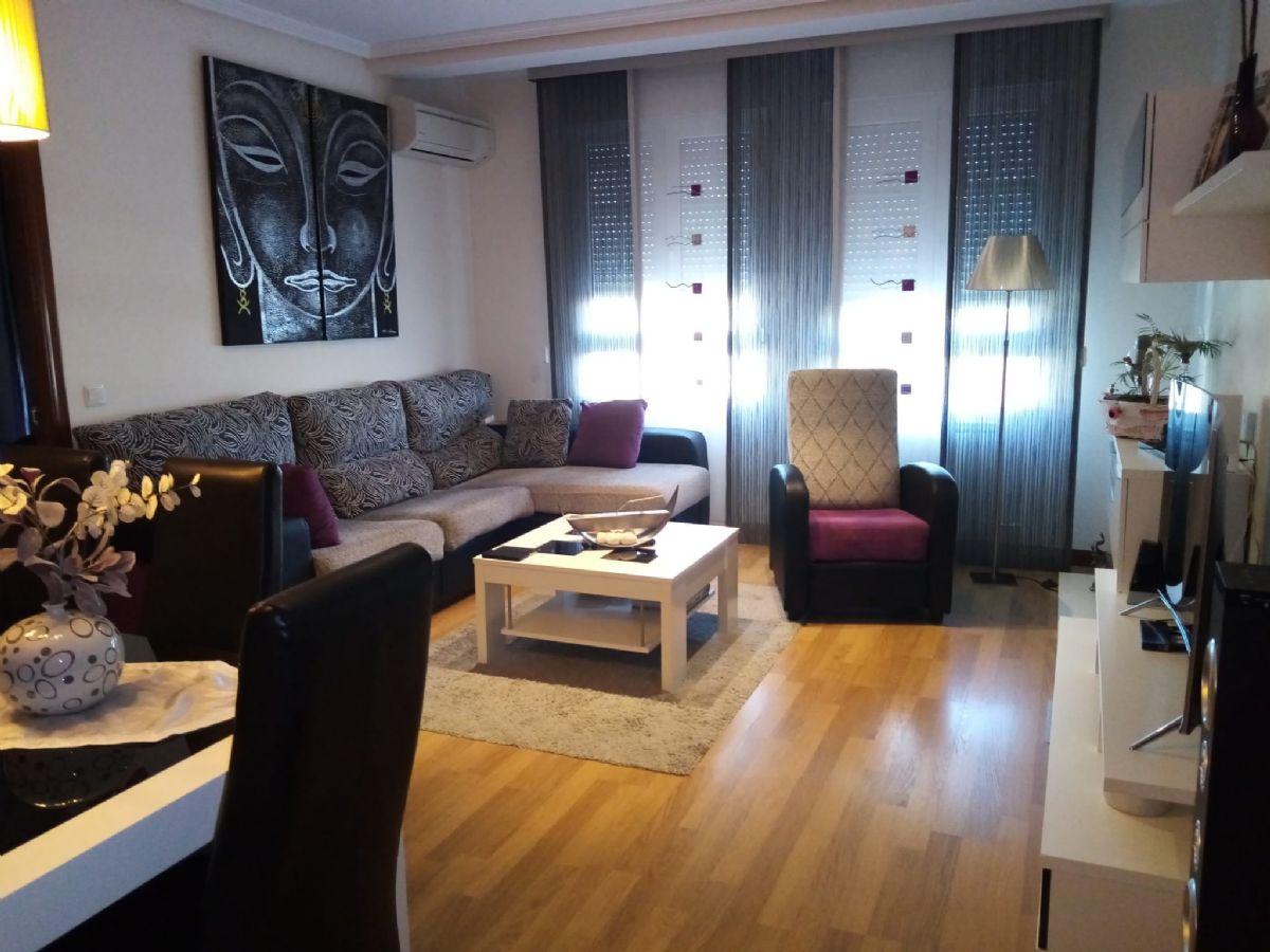 Piso en venta en Tomelloso, Ciudad Real, Calle Plinio, 128.000 €, 3 habitaciones, 2 baños, 139 m2