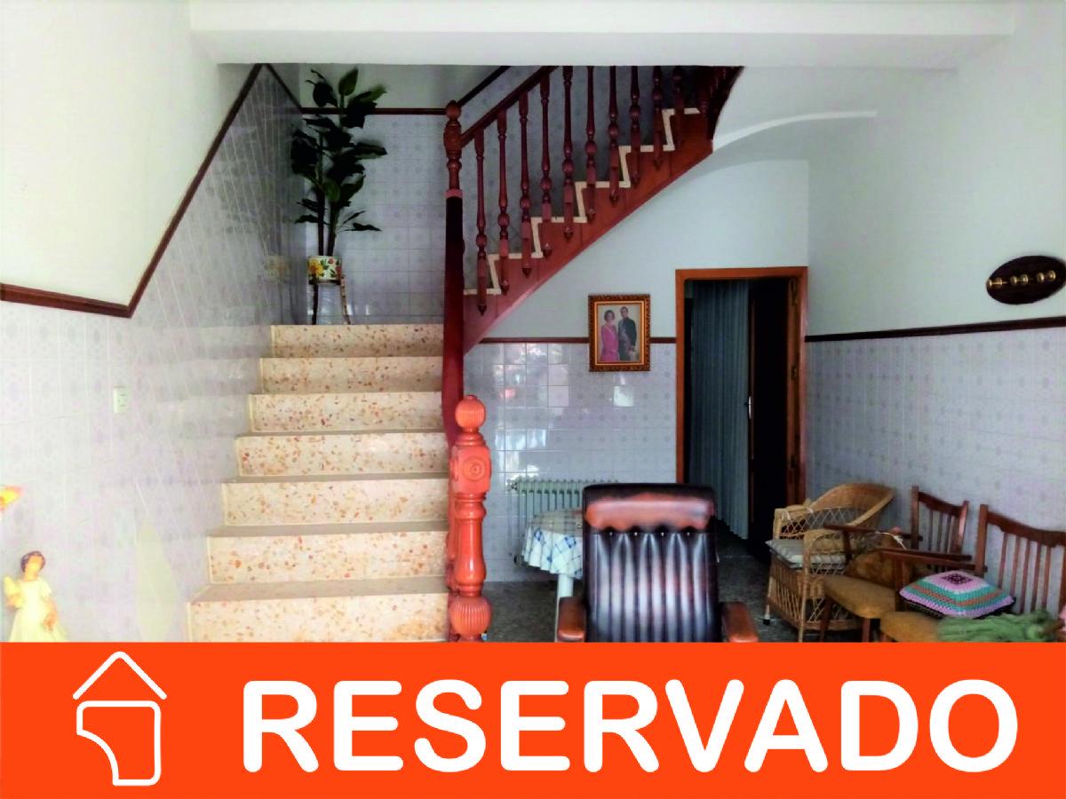 Casa en venta en Tomelloso, Ciudad Real, Calle Hidalgo, 82.000 €, 6 habitaciones, 2 baños, 285 m2