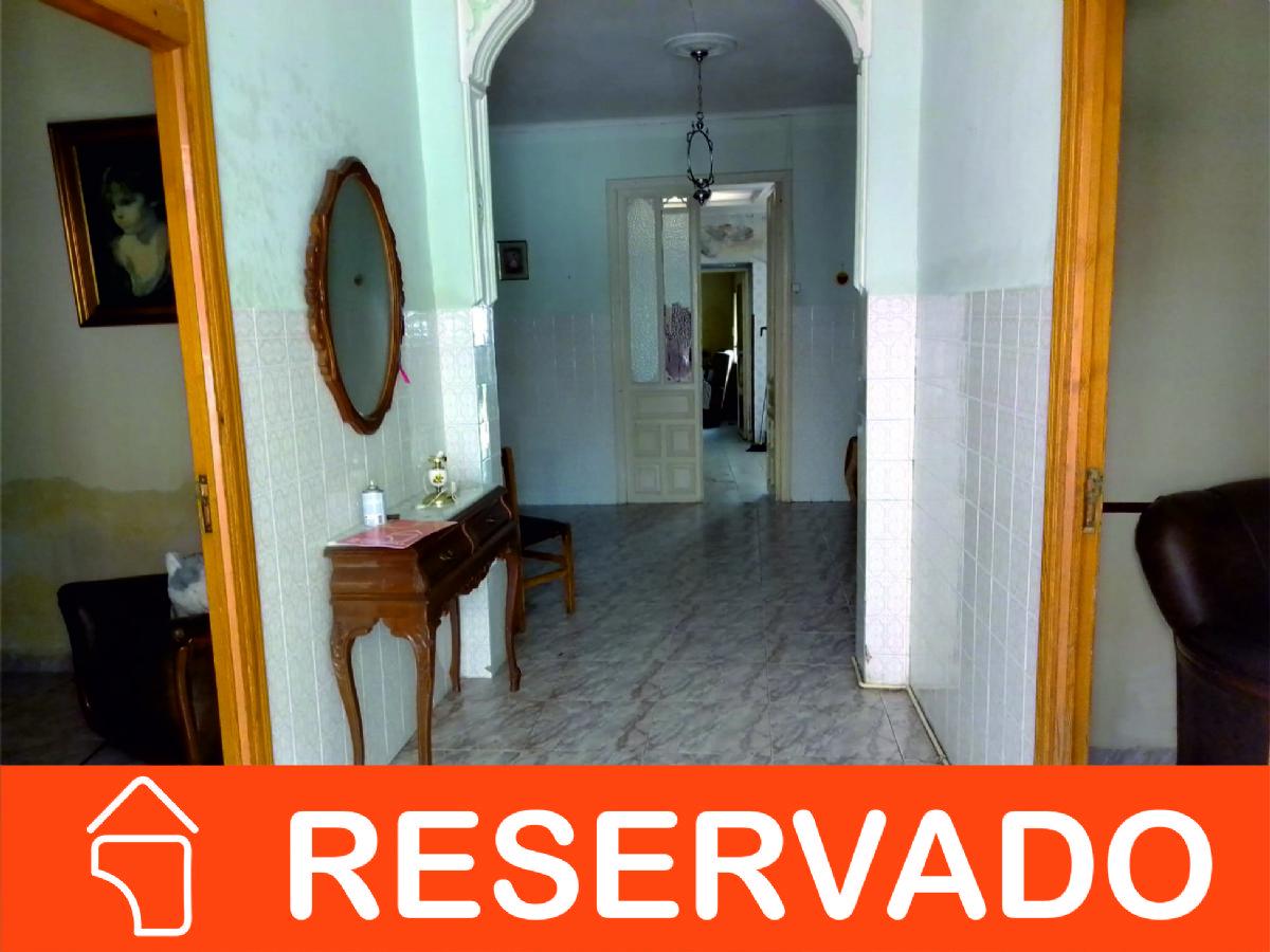 Casa en venta en Tomelloso, Ciudad Real, Calle Joaquin Costa, 30.000 €, 6 habitaciones, 1 baño, 288 m2