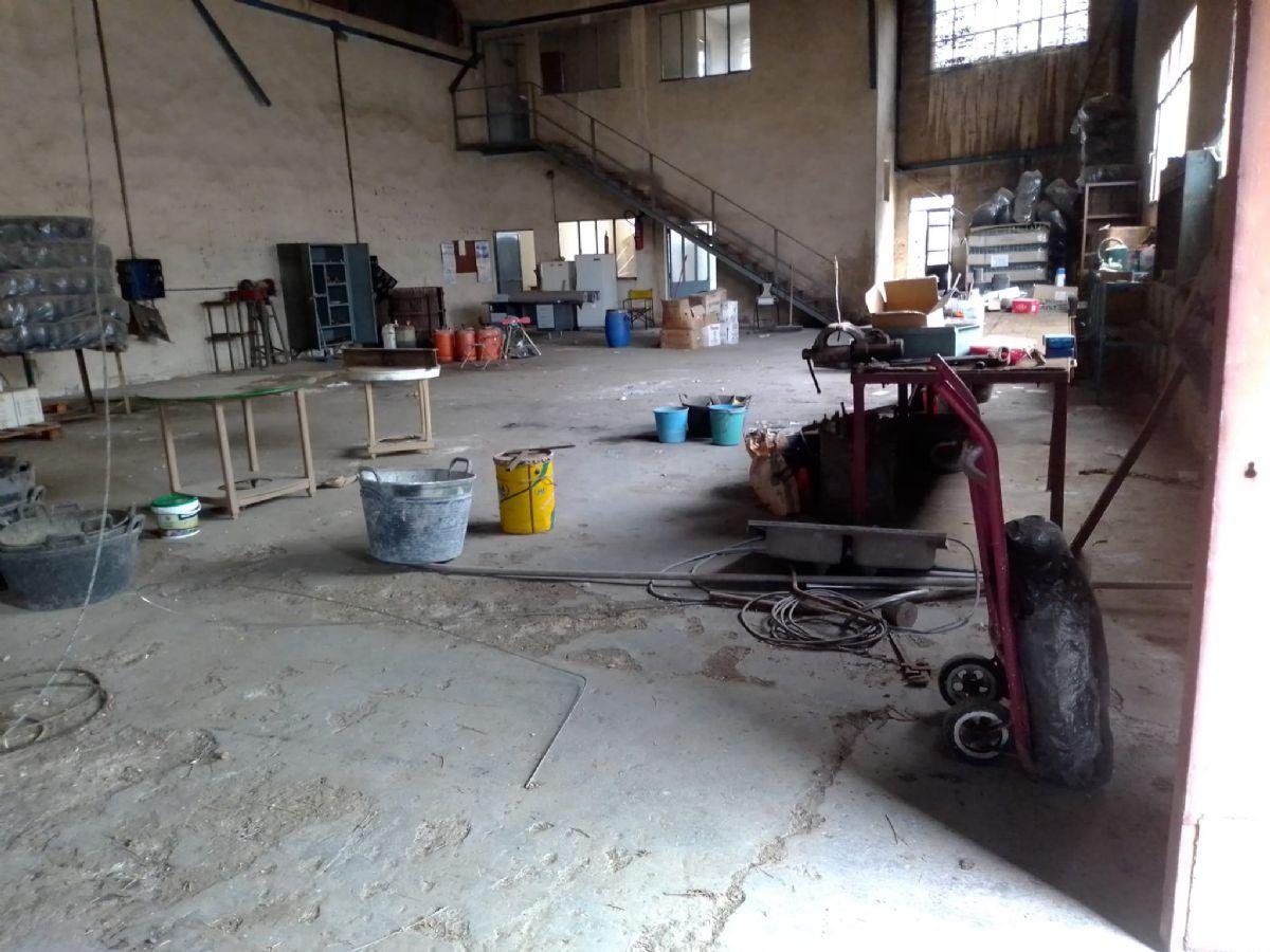 Industrial en venta en Tomelloso, Ciudad Real, Calle Campo, 430.000 €, 2300 m2
