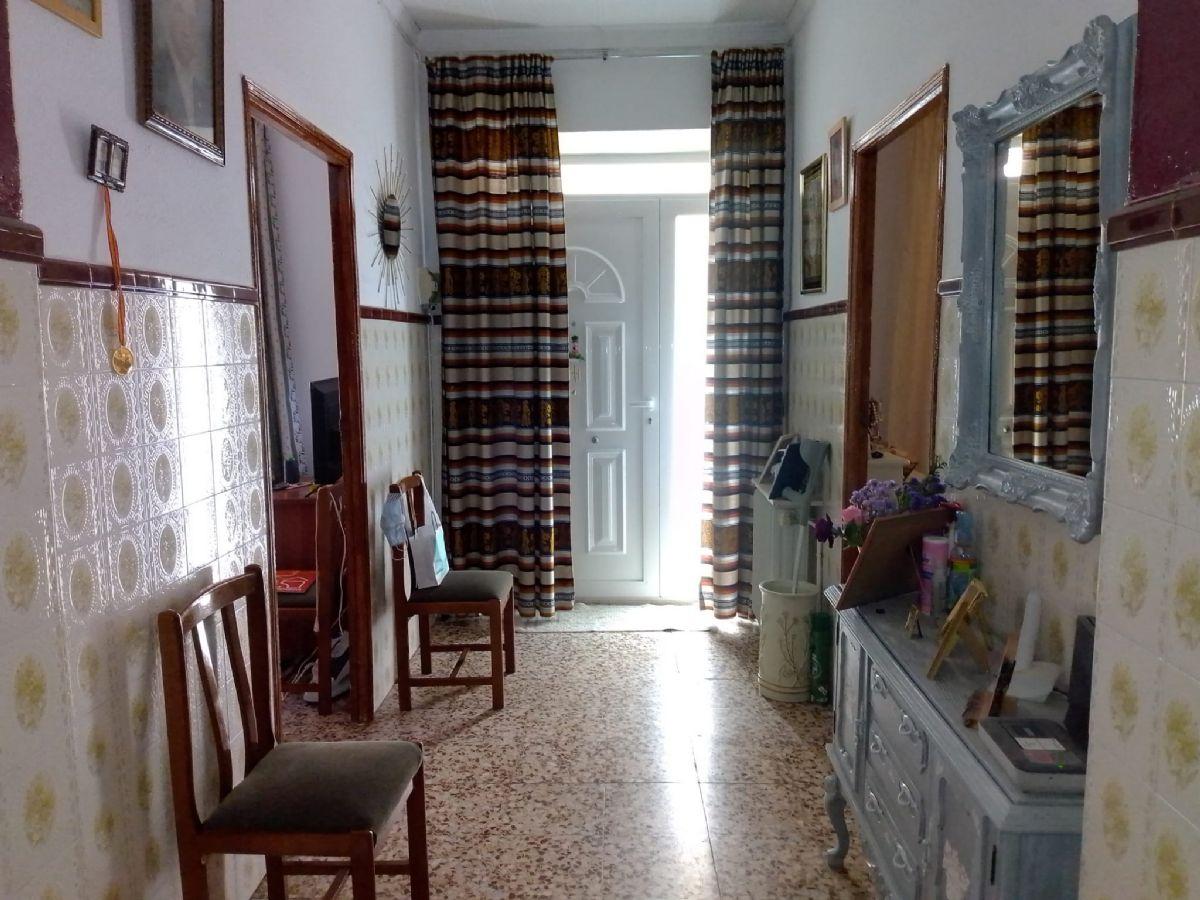 Casa en venta en Tomelloso, Ciudad Real, Calle Esperanza, 75.000 €, 3 habitaciones, 2 baños, 202 m2