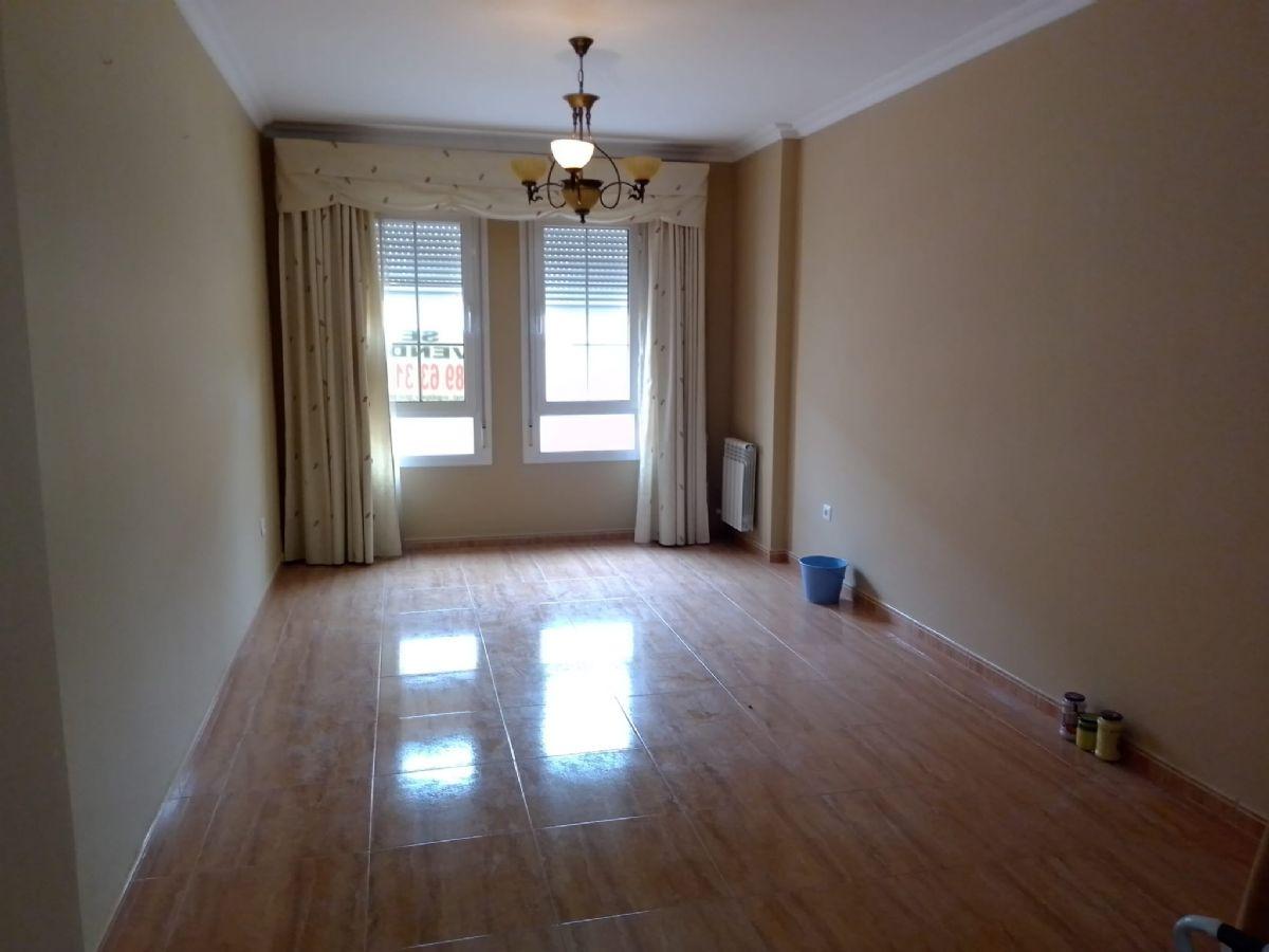 Piso en venta en Tomelloso, Ciudad Real, Calle Clavel, 70.000 €, 2 habitaciones, 2 baños, 76 m2