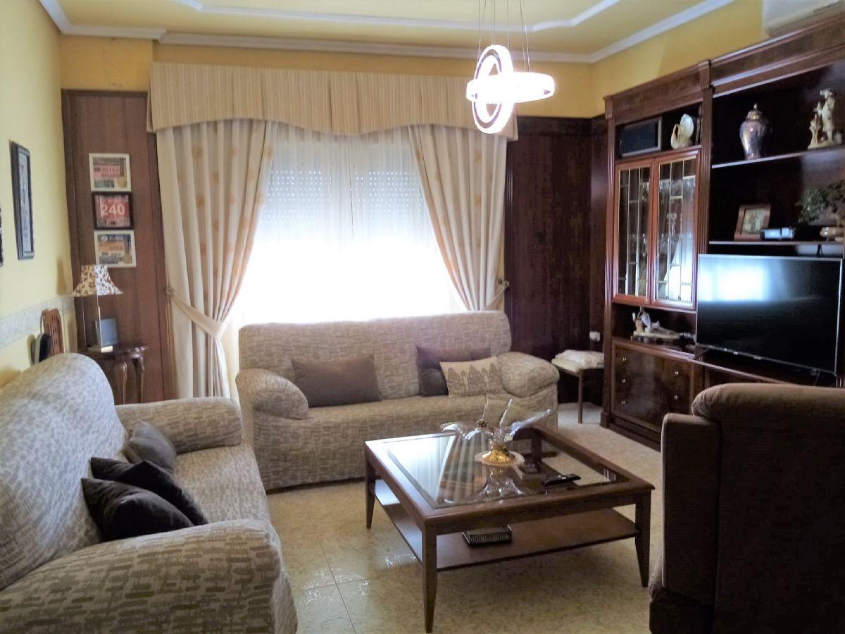 Casa en venta en Tomelloso, Ciudad Real, Calle Maria de Lo Angeles, 125.000 €, 3 habitaciones, 2 baños, 297 m2
