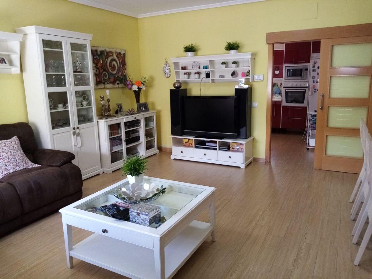 Casa en venta en Tomelloso, Ciudad Real, Calle Cortada, 145.000 €, 4 habitaciones, 2 baños, 154 m2